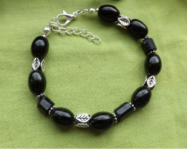 Камень Шерл черный Турмалин свойства