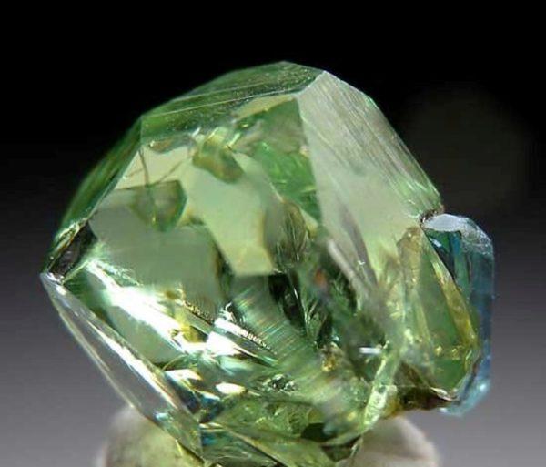 Гранат камень фото гроссуляр