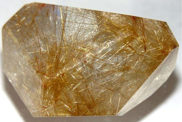 Камень рутиловый кварц фото