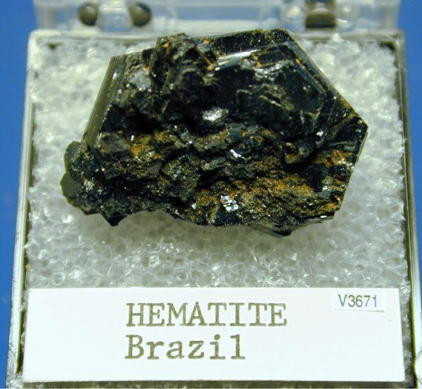 Как выглядит камень гематит фото
